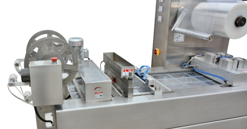 Thermoforming Packaging the transversal, longitudinal cutting system